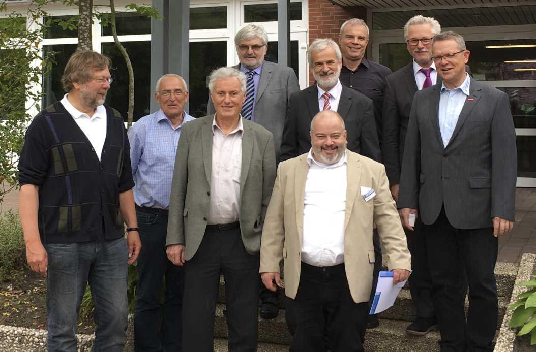 Gruppenbild Vorstand Jahreshauptversammlung Aurich 19.05.2017 für Homepage